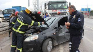 Başiskele'de Beton Mikseri Otomobili Ezdi 1 Yaralı
